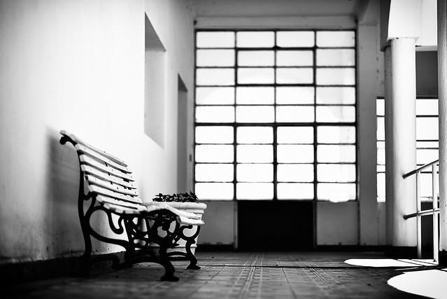 Empty spaces - Espacios vacíos