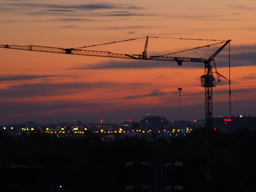 craneovermontreal cranes crane highcranes tallcranes craneovermontrealsunrise sunrises sunrise colourfulsunrises morning mornings earlymornings clouds lights lightreflections sky skies skyline skyscenes awesomeskies morningskies outdoors outdoorscenes montreal montrealsuburbs