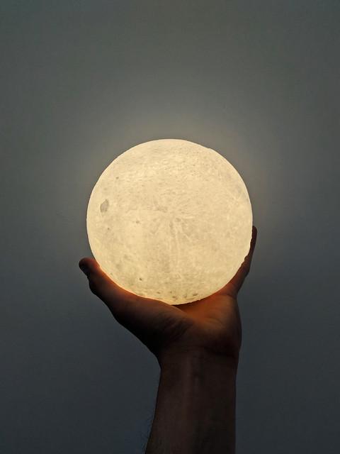 La luna es mía.