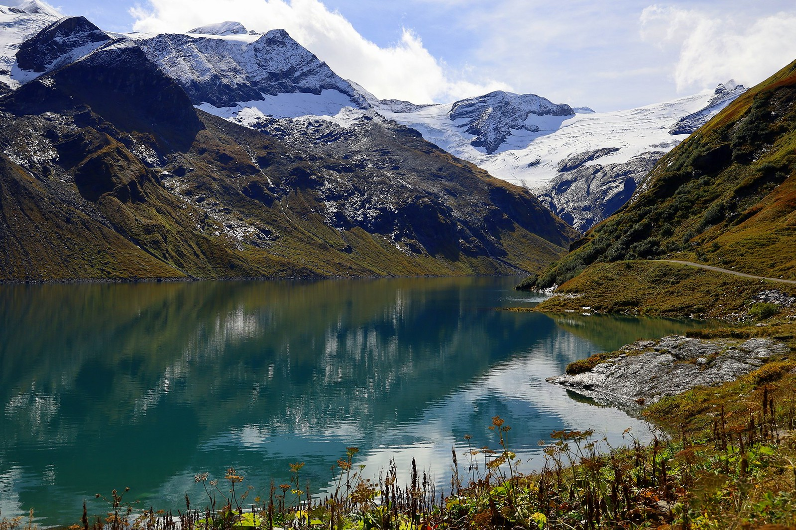 Magical world of mountains and water