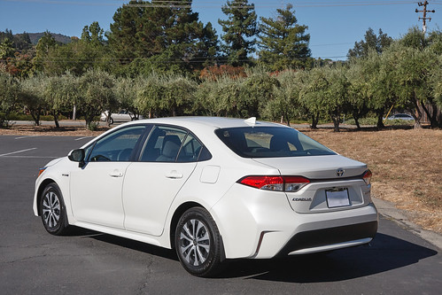 2020 Toyota Corolla Hybrid 3 Photo