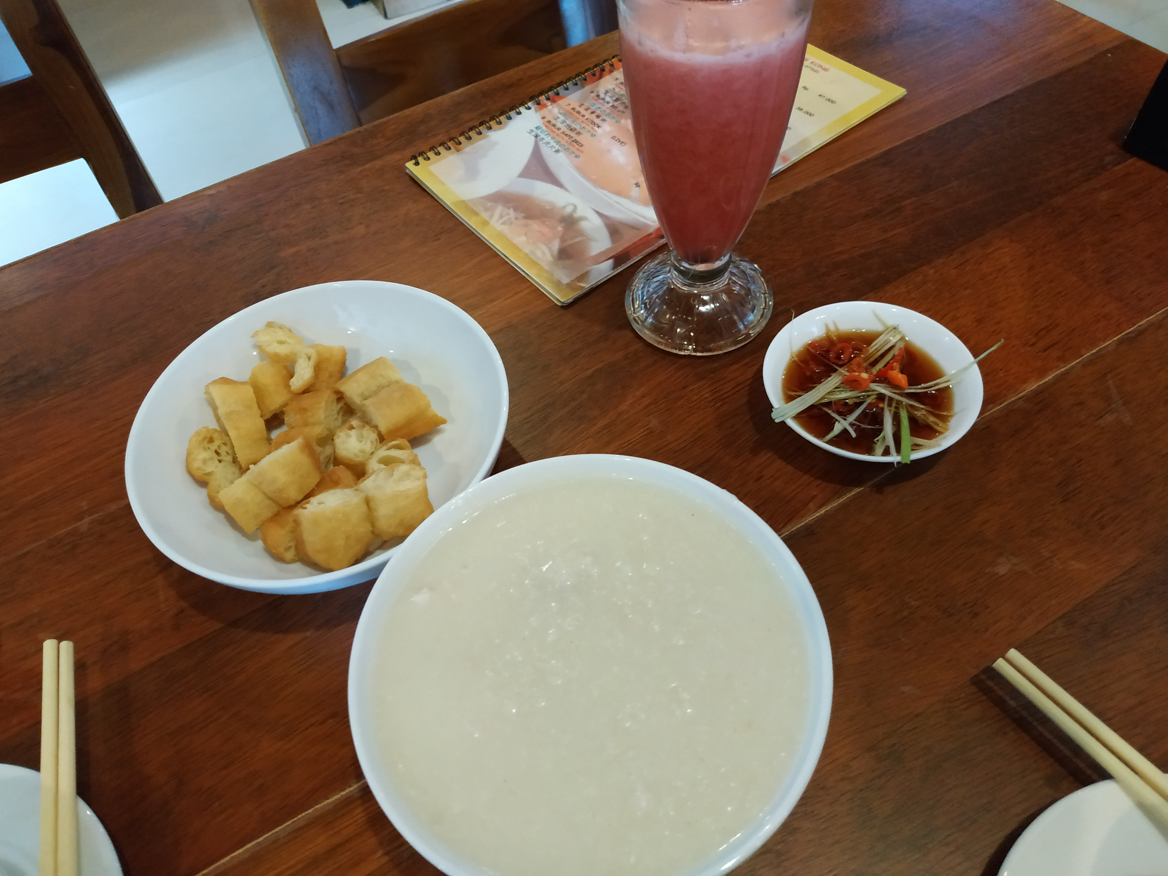 Sarapan Bubur Seafood Laota Bali