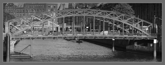 Verkehr auf der Brooksbrücke