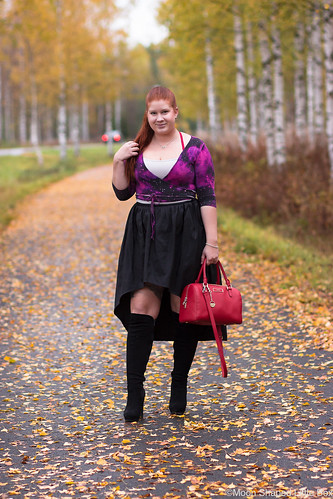 Asu-syksyyn-musta-violetti