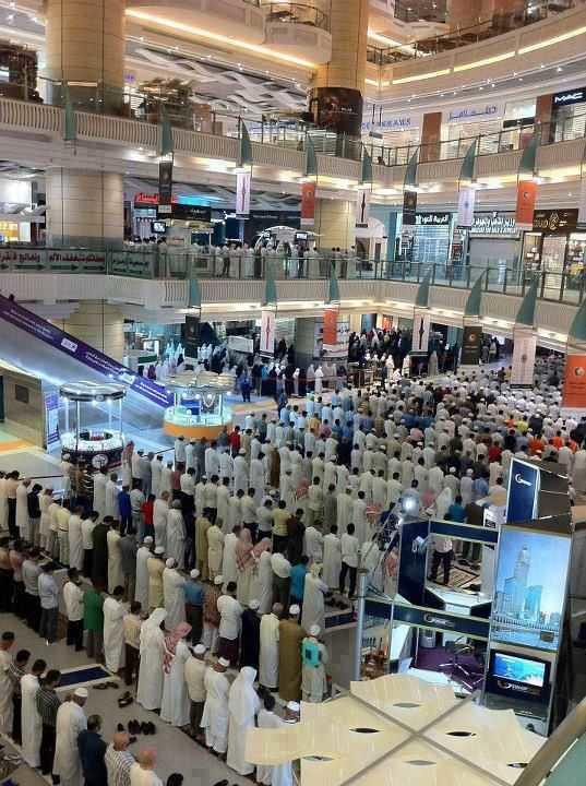 5398 How prayer breaks are being misused in Saudi Arabia 02