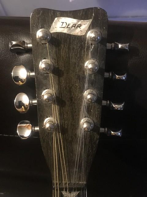 Derr Bros mandolin - [Jack Eden]