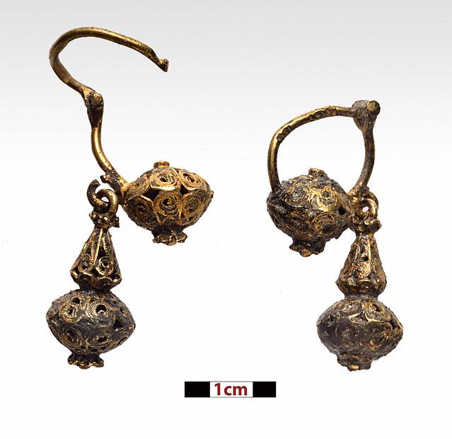 Ζευγάρι χρυσών σκουλαρικιών