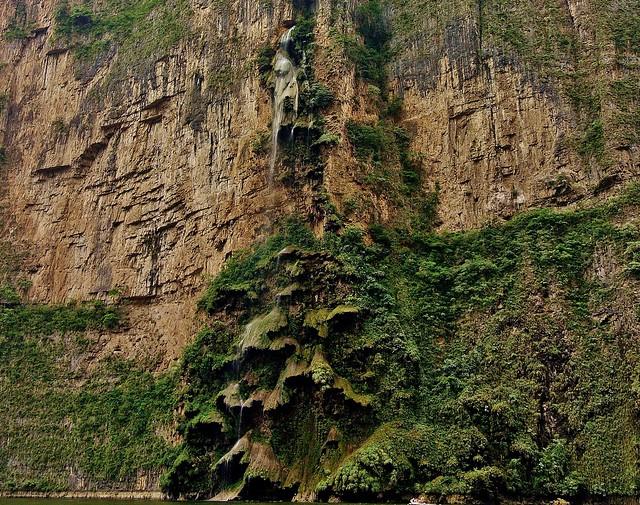 MEXICO, Yukatan , Chiapas ,  Sumidero Canyon, Steile Felsen und Wasserfälle, 19341