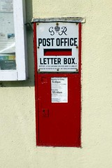 G VI R Postbox, Long Melford, CO10.