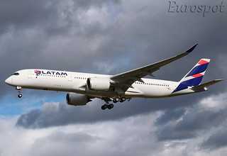 F-WZFI Airbus A350 LATAM / Qatar