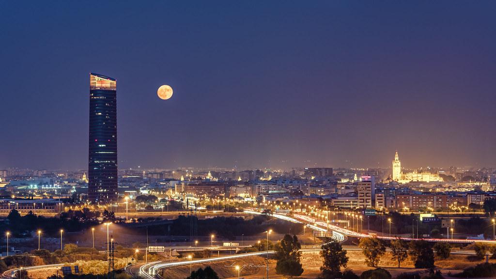 Luna llena en Urbana y Arquitectura48904694236_a3a39b8f06_b