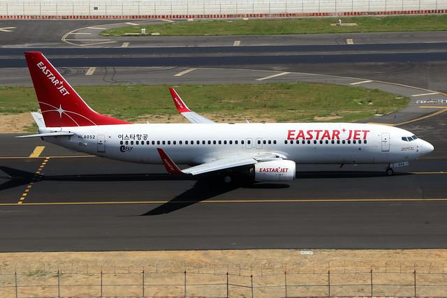 HL8052  -  Boeing 737-86J (WL)  -  Eastar Jet  -  TPE/RCTP 11/10/19