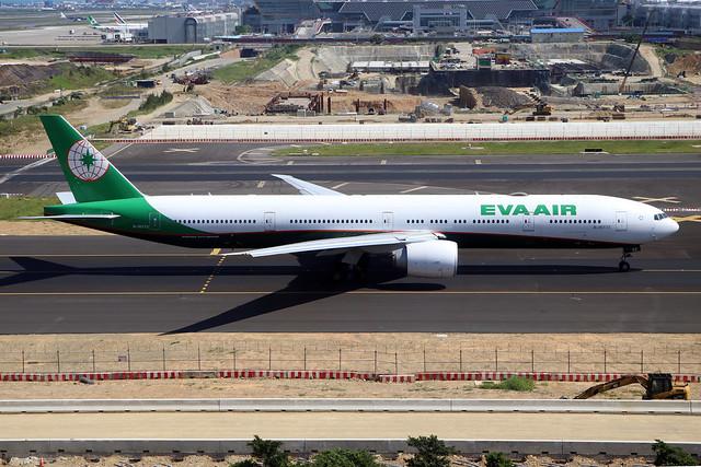 B-16733  -  Boeing 777-300ER  -  Eva Air  -  TPE/RCTP 11/10/19