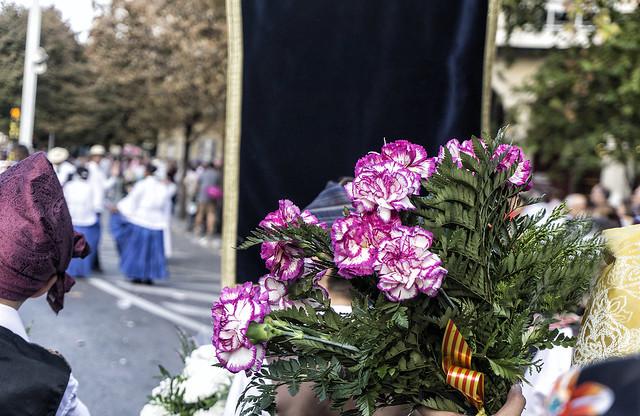 Flores en la Ofrenda a la virgen del Pilar