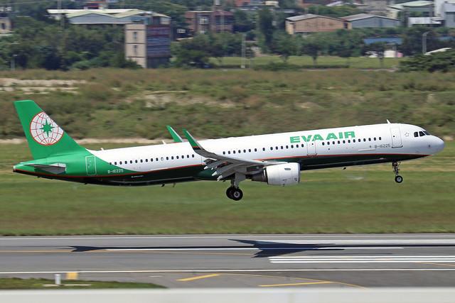 B-16225  -  Airbus A321-211 (SL)  -  Eva Air  -  TPE/RCTP 11/10/19