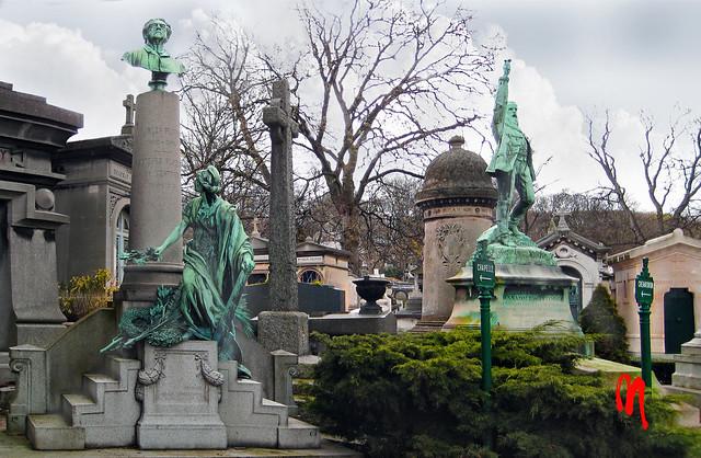 Phot.Paris.Père.Lachaise.Cemetery.01.111206.3933.jpg