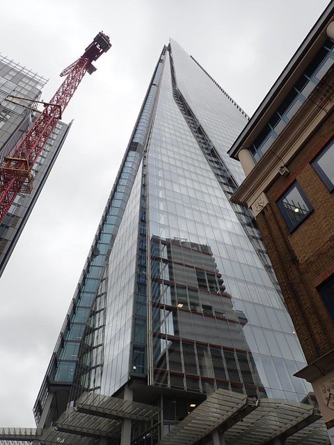 The Shard from the ground 19-10-11 (2)