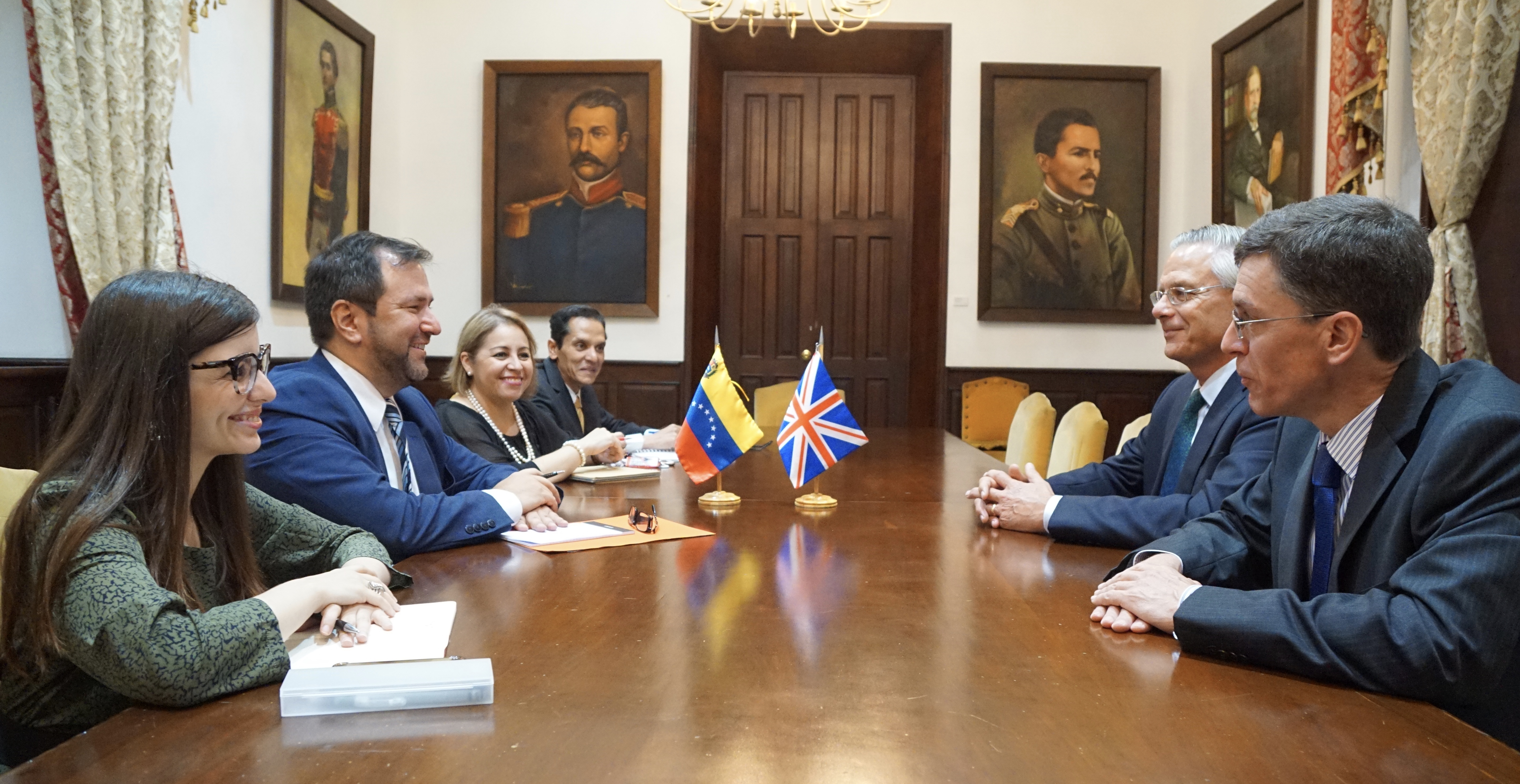 Venezuela y Reino Unido conversan sobre alianzas estratégicas bilaterales