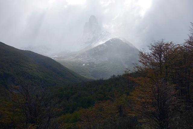 Descending to Campamento Neozelandés
