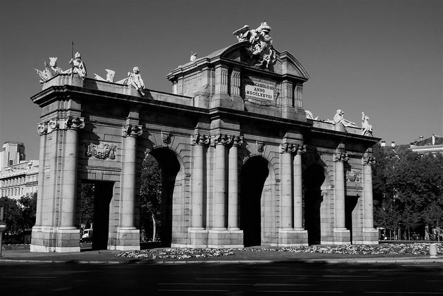 Puerta de Alcalá - Madrid.