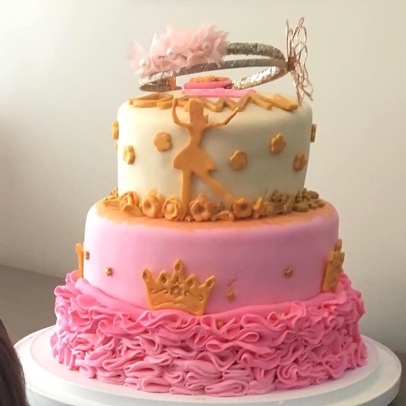Cake by Busy Bee Cakery