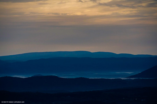 virginia botetourtcounty 2019 blueridgeparkway brp sunrise day autumn mountains fog nikond500 nature cloudy air sky grouped commented favorited
