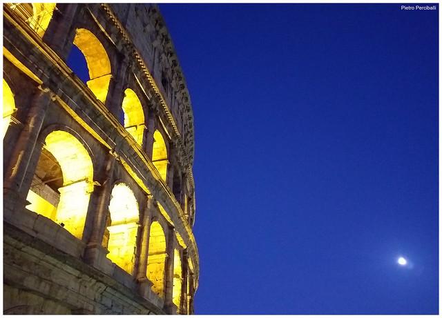 Luna e Colosseo