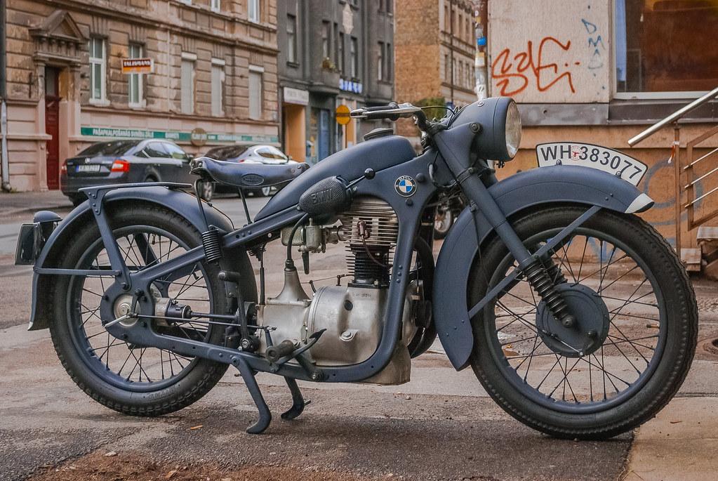 Great looking bike classic. Лаконичен! 18:03:48 DSC_3836