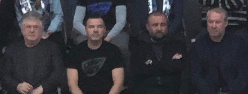 Момент матча, справа - налево: Сергей Олейник (он уже Умка), Александр Петровский (он же Нарик), Валерий Кондратьев (он же Гастелло) и Игорь Коломойский