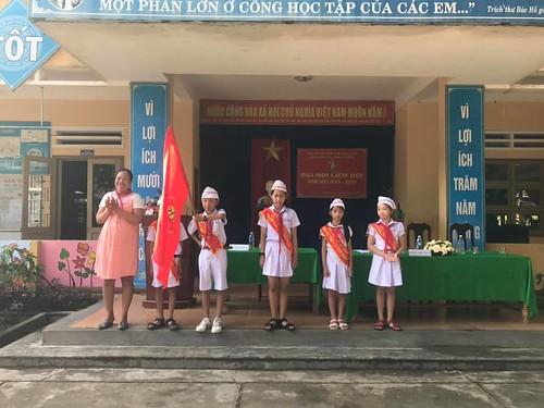 Tieu hoc Thai phien