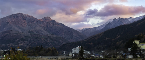fall honshu japan jigokudani jigokudanimonkeypark landscape naganoprefecture nationalpark valleyofhell yudanaka autumn clouds evening eveninglight firstsnow magichour mountains panorama snow snowclouds sunset valley shimotakaidistrict