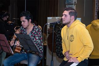 """La carrera de Música de USIL organizó la actividad """"Jueves musicales"""", evento con música en vivo interpretada por los estudiantes de esta carrera, quienes expusieron su talento en las instalaciones del Di Café & Tienda Gourmet."""