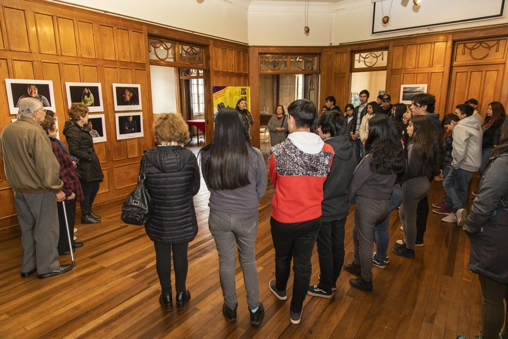 Actividades de mediación artística de fotografías en Osorno