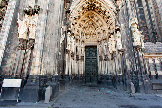 Entry at the Cologne Cathedral _8269