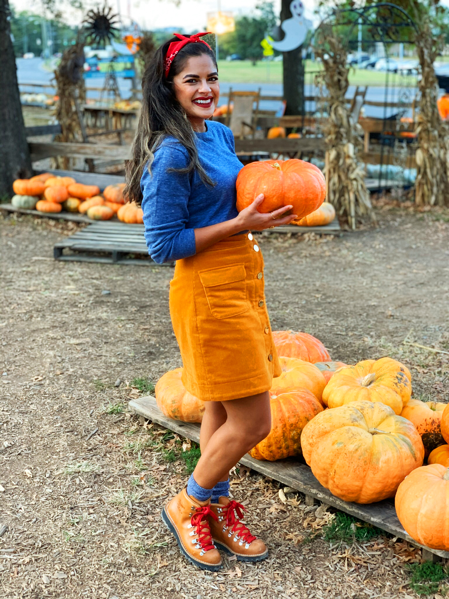 Priya the Blog, Nashville fashion blog, Nashville style blog, Nashville fashion blogger, Nashville style blogger, Fall outfit, Fall outfit idea, what to wear to a pumpkin patch, pumpkin patch outfit, Danner boots, corduroy skirt, how to style Danner boots, Autumn outfit idea, Fall outfit idea,