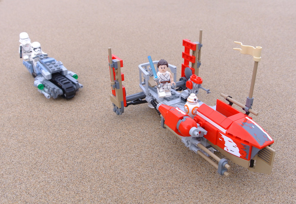 LEGO Star Wars 75250 Pasaana Speeder Chase review