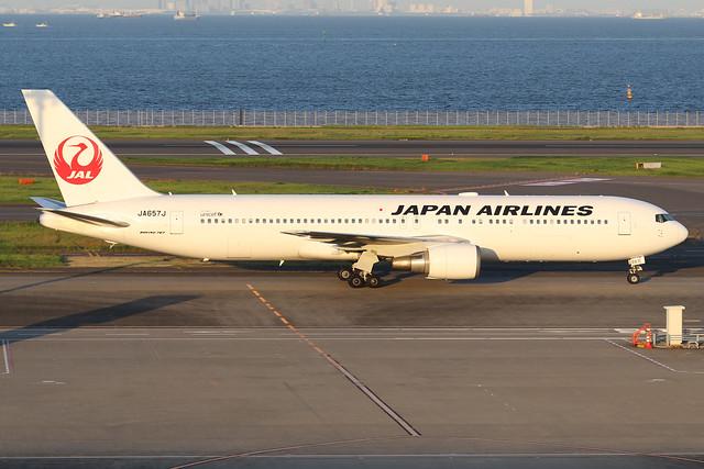JA657J  -  Boeing 767-346ER  -  Japan Airlines  -  HND/ RJTT 9/10/19