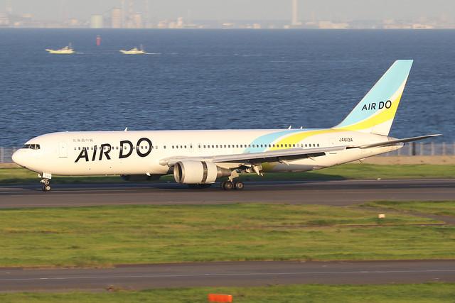 JA613A  -  Boeing 767-381ER  -  Air Do  -  HND/RJTT 9/10/19