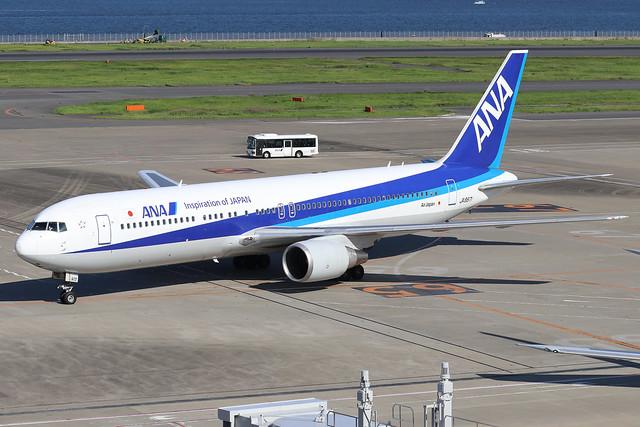 JA8971  -  Boeing 767-381  -  All Nippon Airways  -  HND/RJTT 9/10/19