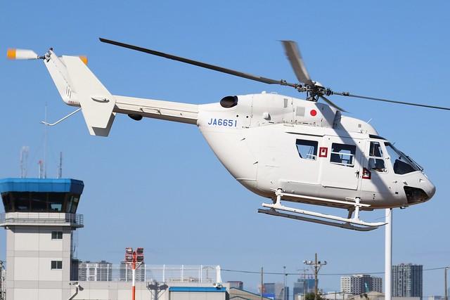 JA6651  -  MBB-Kawasaki BK117-B2  -  DHC Helicopter Division  -  RJTI 9/10/19