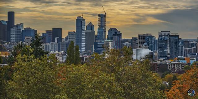 Autumn sunset over Seattle 2019