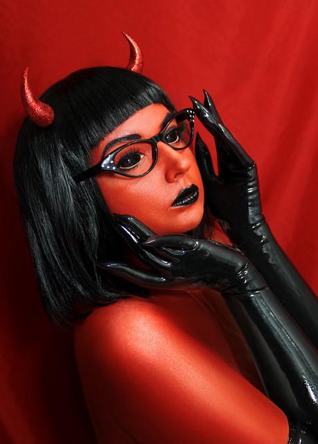 ANASTASIA VOLODINA / SHE-DEVIL