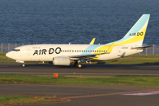 JA14AN  -  Boeing 737-781 (WL)  -  Air Do  -  HND/RJTT 9/10/19 | by Martin Stovey