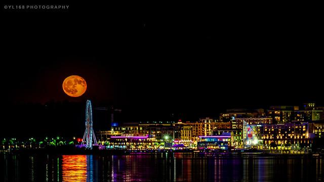 Moon Rise at Capital Wheel National Harbor