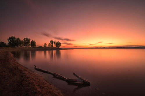 sunrise dawn daybreak clouds lake silhouettes trees landscape lakechatfield chatfieldstatepark colorado le longexposure