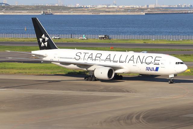 JA712A  -  Boeing 777-281  -  All Nippon Airways  -  HND/RJTT 9/10/19