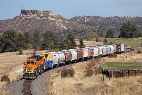 bnsf bnsf1929 emd sd402 castlerock colorado jointline pikespeaklocal train railroad