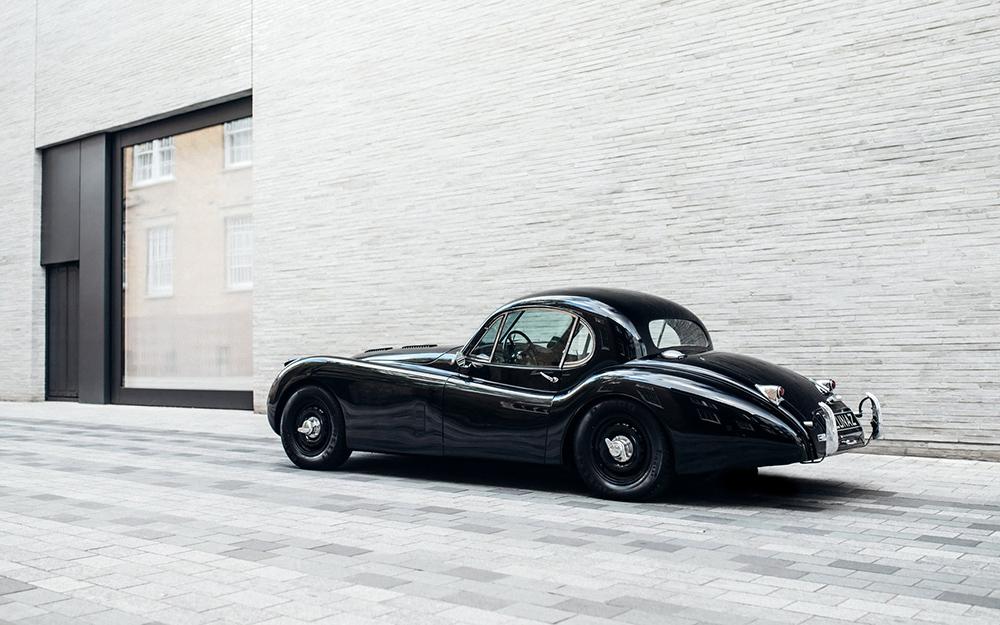 fceb3947-lunaz-classic-electric-cars-15