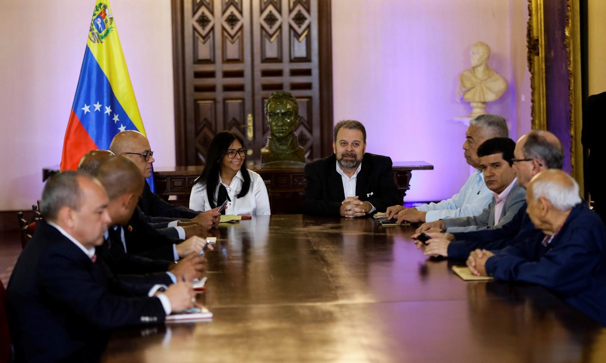 Gobierno Bolivariano y oposición venezolana fijan mesa complementaria para conformación de nuevo CNE