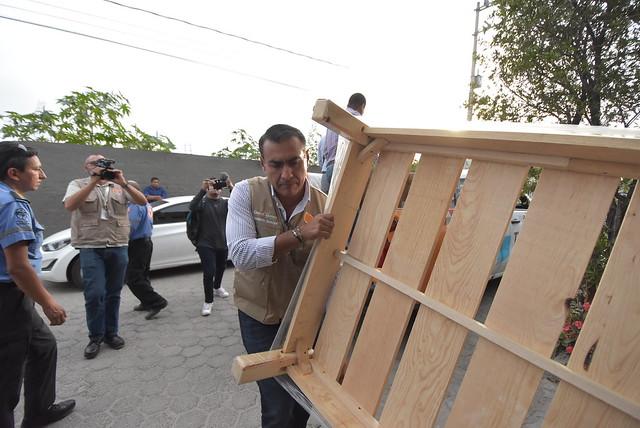 Entrega de Menaje de Casas a Afectados de la Zona El Terrón